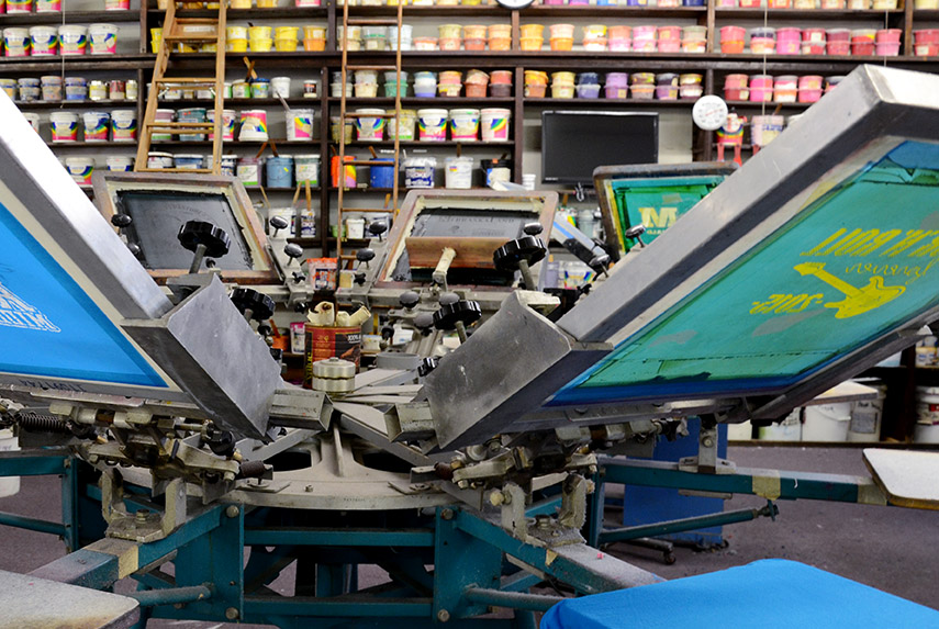 Production Pointers: The Difference between Screen Printing and Direct-to-Garment Printing 1
